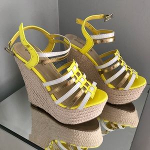 Bright strappy wedges